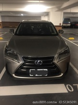 Lexus NX300H 2.5L 鈦色 新車價225萬