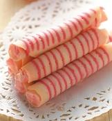 草莓捲心酥