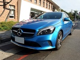 2015.M-Benz A-Class A180總代理/小改款/免鑰匙啟動/渦輪增壓/122匹馬力/七速自手排