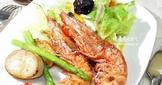 乾煎明蝦佐和風沙拉