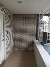 新北市板橋區漢生西路 公寓 超大陽台~全新整理板橋捷運6分鐘頂級平價時尚