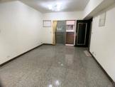 中山醫大三房入門玄關室內大空間