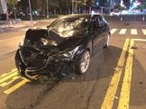 男酒駕加速闖紅燈撞2機車 4人受傷