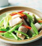 芹菜炒鯛魚片
