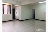 近成大學區及南紡購物中心,開闊電梯華廈。