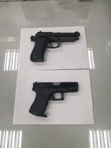 男子大街上玩雙槍 警方斥「浩呆」還搜出安非他命