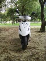 Sym  125c.c機車。自售。免整理。2006年車。台南市。問問哥請轉彎。里程數2萬公里。少使用