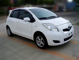 豐田-Yaris11年白色