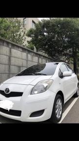 車主自售 Toyota yaris E版 2012年 白色車庫車