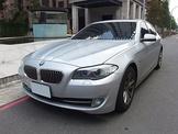 2013.BMW 520i總代理/天窗/免鑰匙啟動/渦輪增壓/184匹馬力/8速手自排/換檔快撥