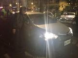 違停路邊遇警盤查飛車逃逸 擦撞遊覽車、汽車被逮
