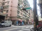 新北市汐止區康寧街 公寓 稀有一樓康寧街全聯旁3房門前可停車