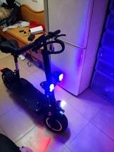 雙驅電動滑板車